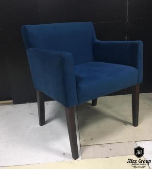 Мягкое кресло из кожи в кафе ресторан бар